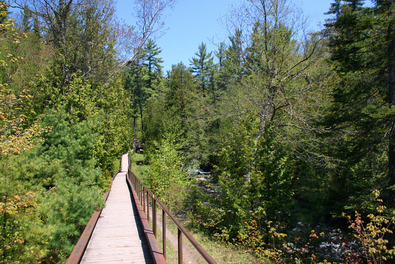 A short path leads north from the pond to Crystal Falls...