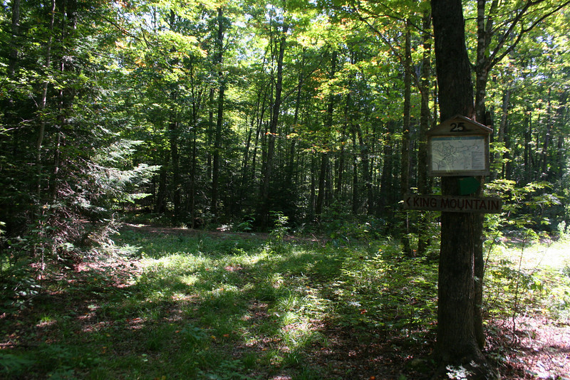 Suomi-Roth Trail Junction -- 970'