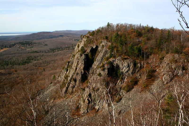 Robertson Lake Cliffs, ON (11-11-09)