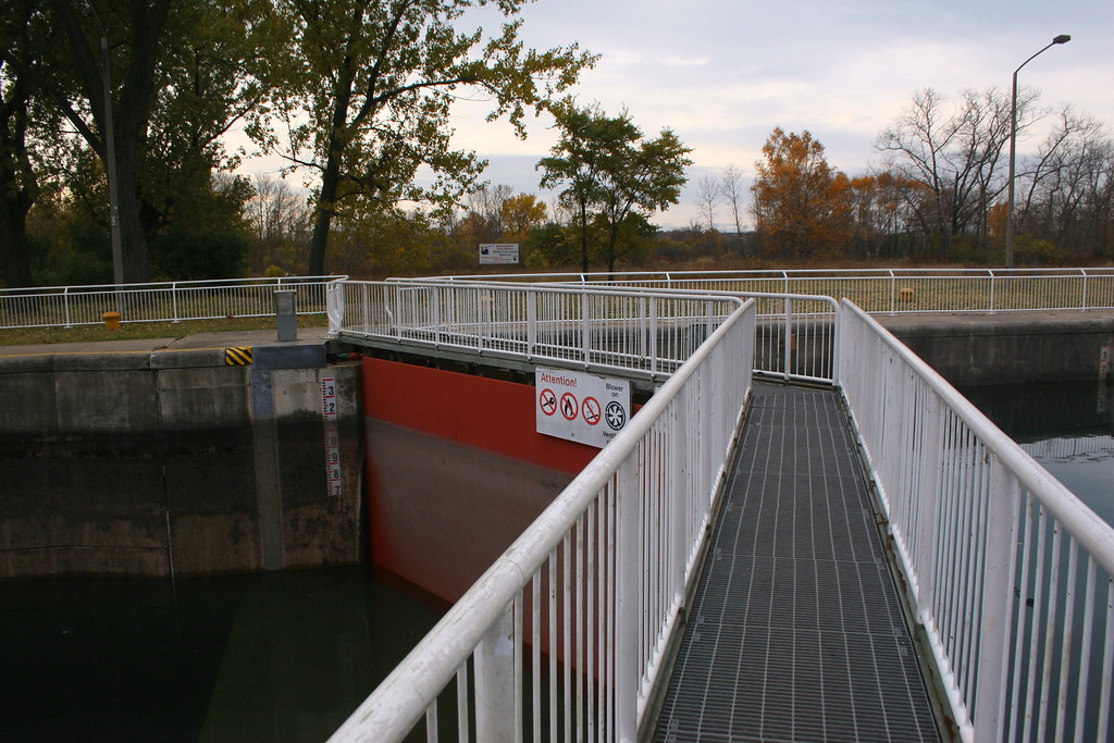 Crossing the old lock to get to the trails...
