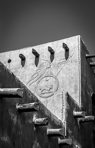 Manitou Springs 05-24-17 Adobe -Relief- B&W-07746
