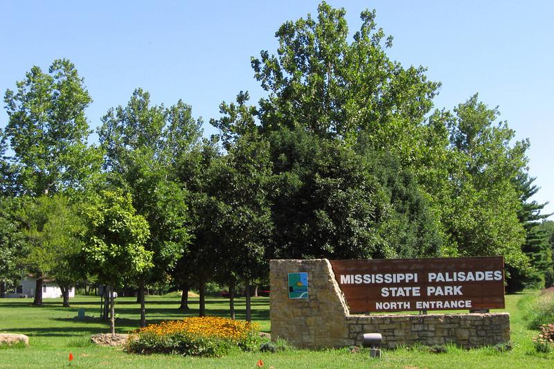 Mississippi Palisades State Park - North Entrance