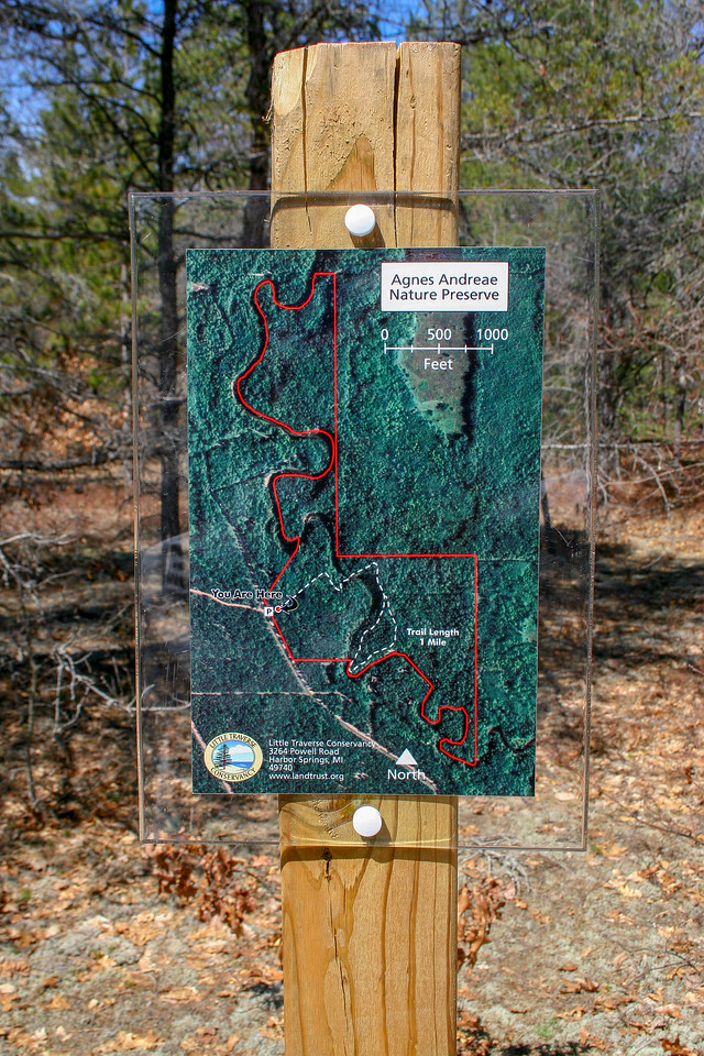 Trail Map - the red line outlines the preserve...the dotted white line is the trail I'd be following.