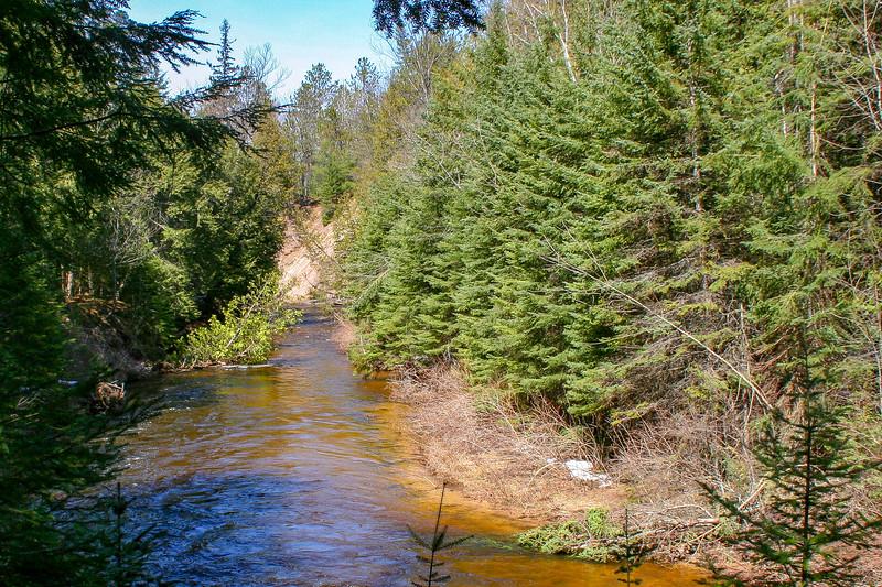 Pigeon River -- 680'