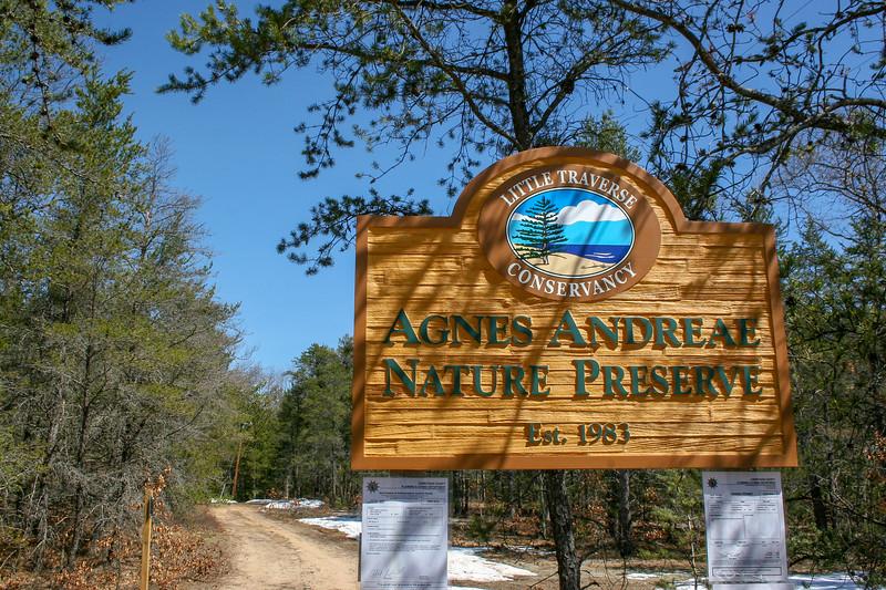 Agnes Andrae Nature Preserve Trailhead -- 700'