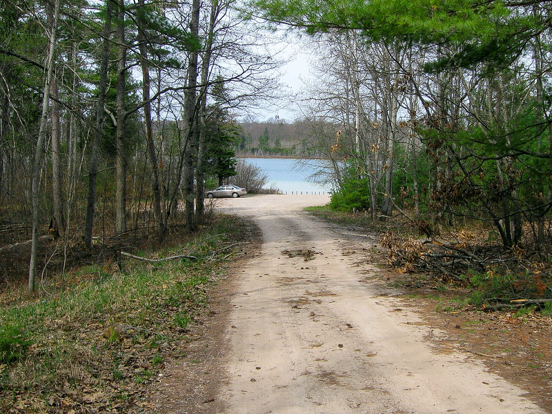 Pickeral Lake Trailhead