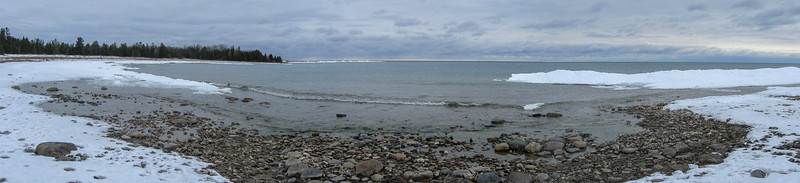 A (crappy) panorama of the pretty cove to the south of Ferron Point (left)...