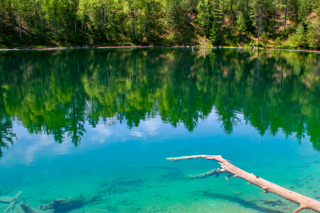 The bottom of Section 4 Lake drops off precipitously creating an amazing array of blues and greens...