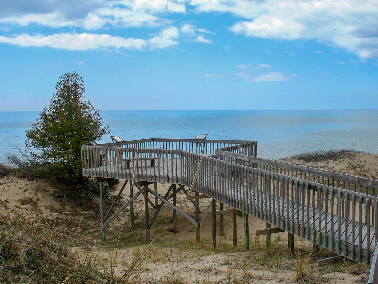 The dune platform...