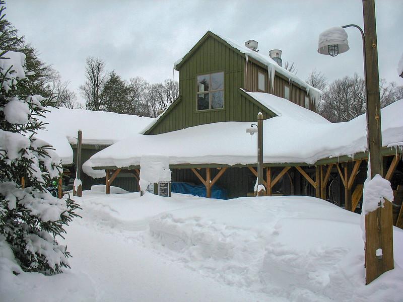 Camp 33