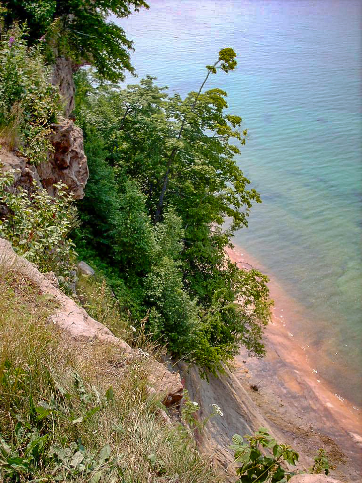 Day 1 - A couple miles north of Sand Point the escarpment begins to drop more shrply to the lake. This is the first true cliff-top overlook as you are heading north along the trail.