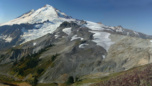Mount Baker from Ptarmigan Ridge trai