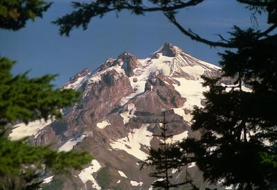Glacier Peak from trail to Byrne Lake
