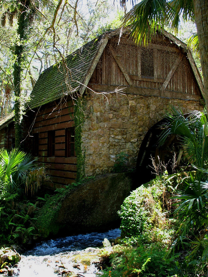Another shot of Juniper Springs Mill - Constructed in the 1930's by the Civilian Conservation Corps, this little mill provided electricity for the nearby campground...