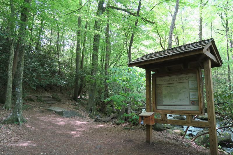 Jones Gap Trailhead