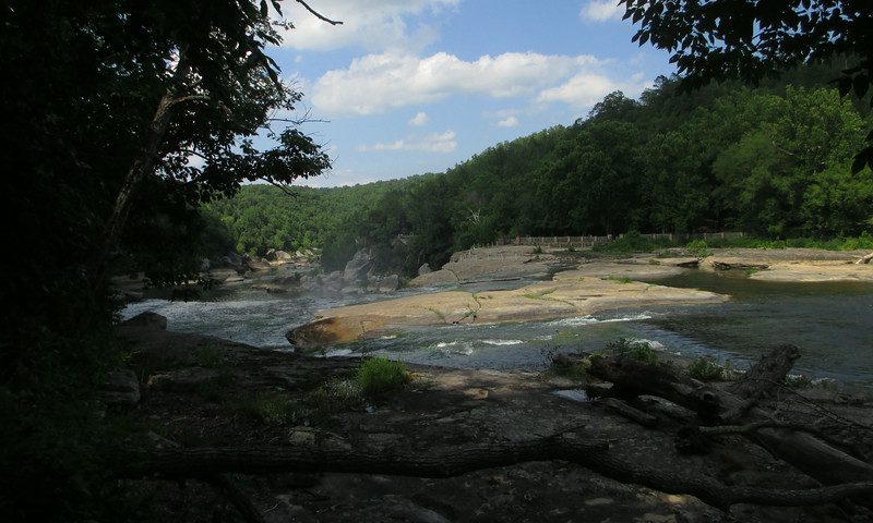 Looking over the brink of Cumberland Falls from near the beginning of the trail...