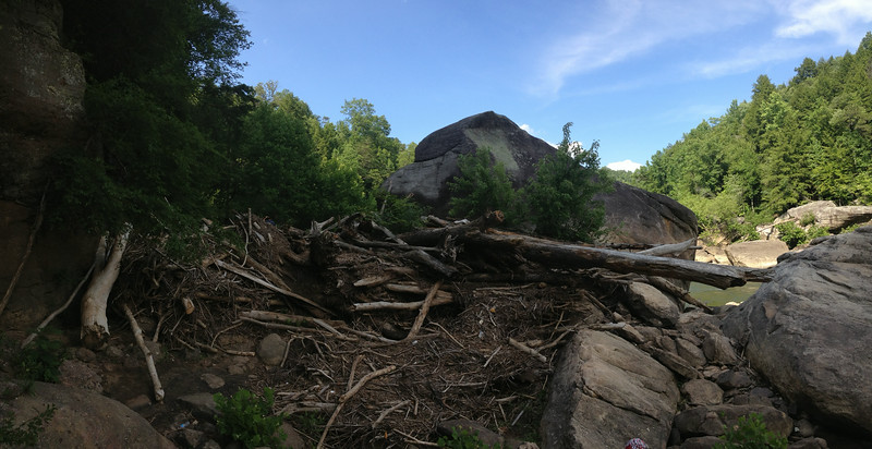What must have been a truly historic flood has deposited a 30 pile of debris right in the middle of the path to Eagle Falls.  It's not that hard to scramble over but its massive size illustrates how unimaginably powerful these rivers can sometimes become...