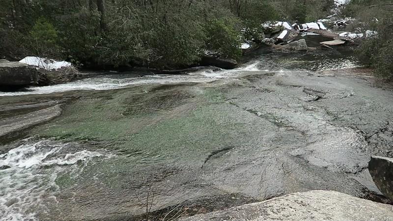 Grassy Creek Falls  -- 2,450'