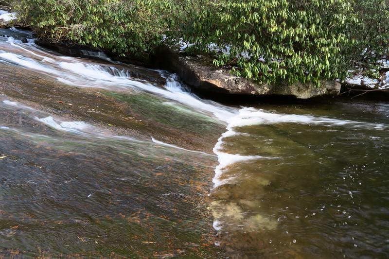 Grassy Creek Falls  -- 2,430'