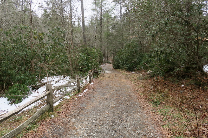 Hooker Falls Trail  -- 2,260'