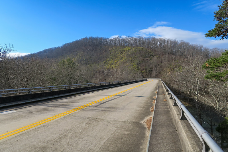 Mountains-to-Sea Trail @ French Broad River (Blue Ridge Parkway) -- 2,080'