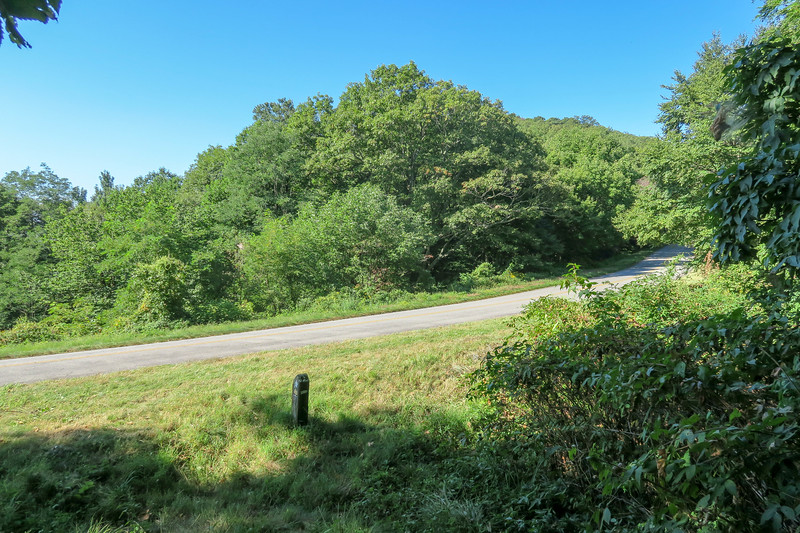 Mountains-to-Sea Trail @ Bennett Gap -- 4,420'