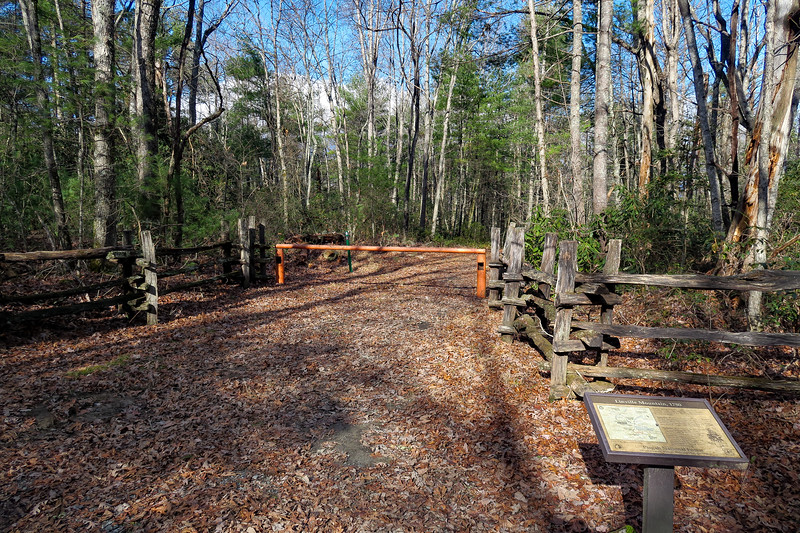 Mountains-to-Sea/Overmountain Victory Trail Junction -- 2,620'