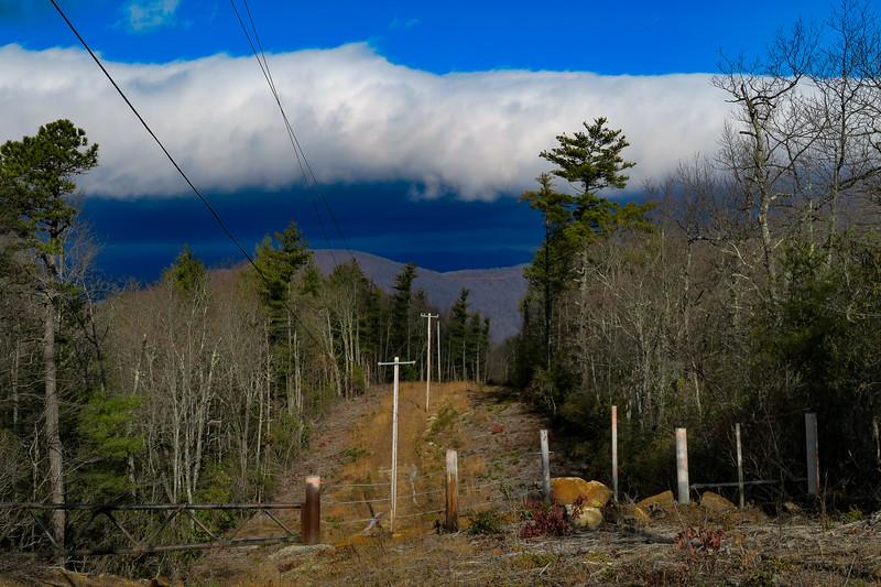Mountains-to-Sea Trail/F.R. 106 -- 2,930'