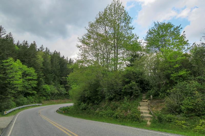 Mountains-to-Sea Trail @ NC-215 -- 5,120'