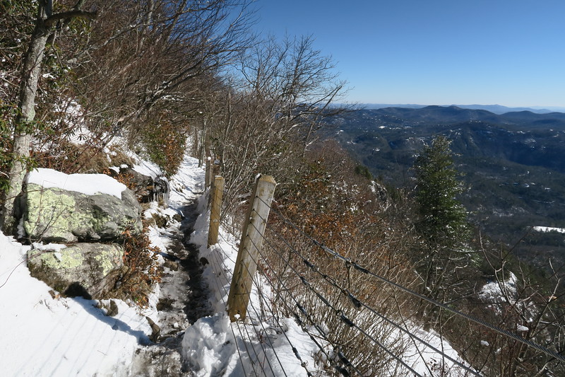 Whiteside Mountain Loop Trail -- 4,840'