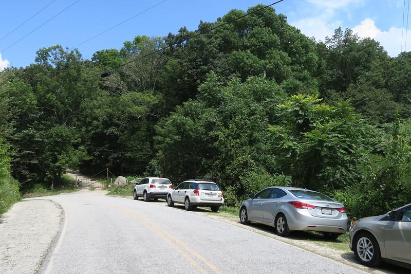 Bearwallow Road Trailhead -- 3,650'