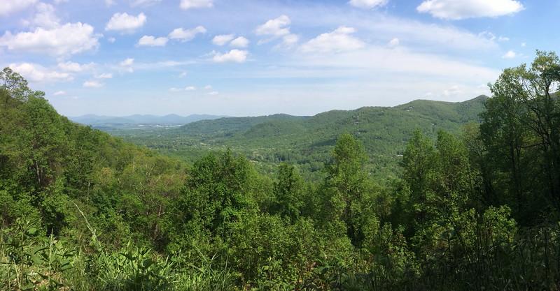 Roadside Panorama - 3,040'
