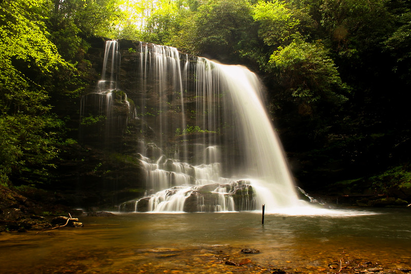 Gorges State Park - Lower Bearwallow Falls & the Auger Hole  (4.5 miles; d=5.40)