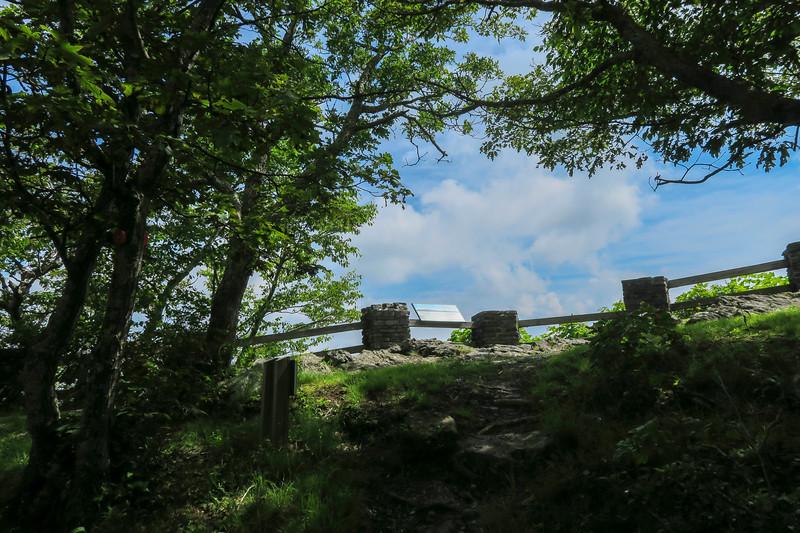 Mountain Ridge Trail -- Jefferson Overlook -- 4,350'