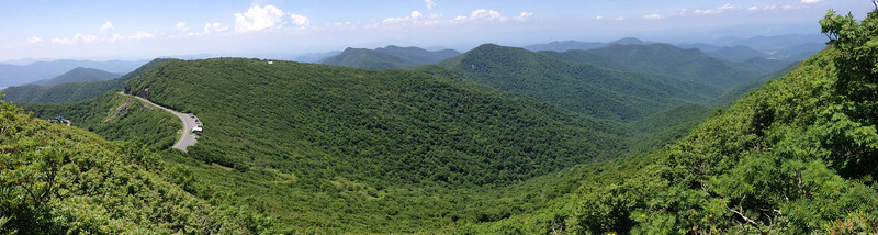 Arriving at the lower overlook, this stunning southern panorama opened up before me...