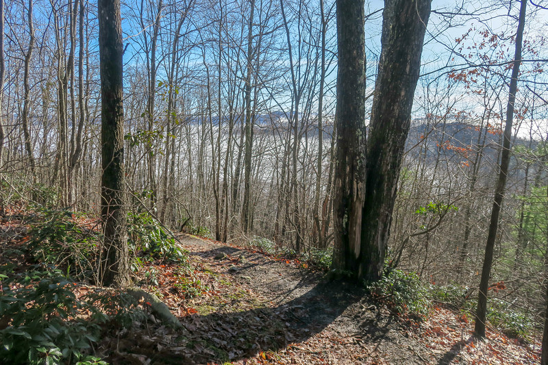 Appalachian Trail -- 2,820'