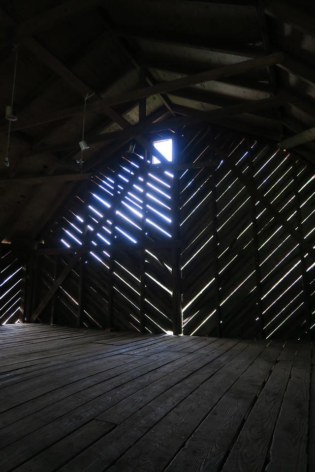 """Overmountain Shelter (""""The Barn"""") - 4,550'"""