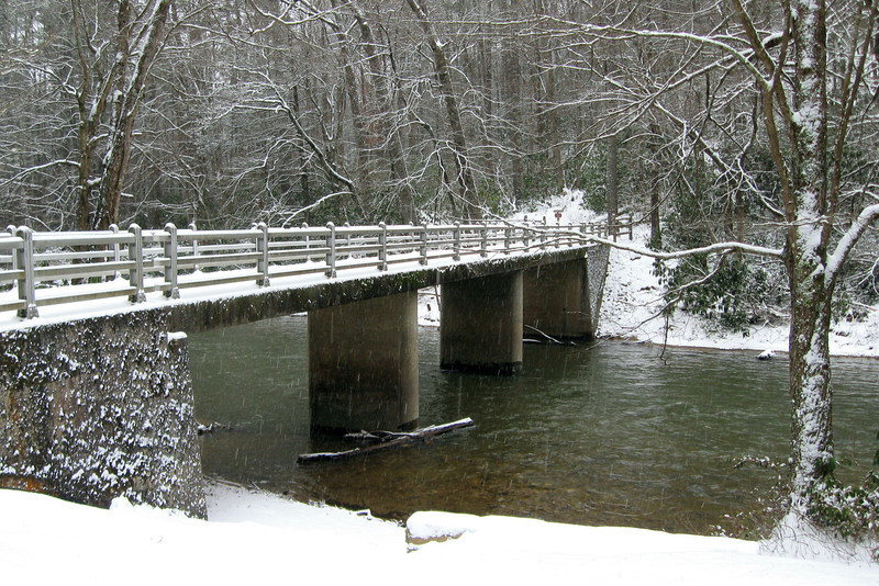 Before heading out we strolled over to the bridge by the visitor center for a look at the Linville River...