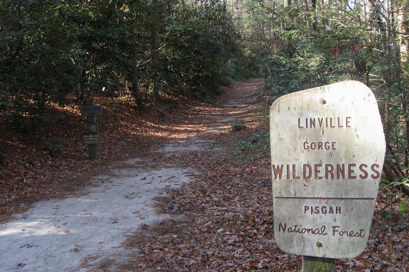 Spence Ridge Trailhead -- 2,880'