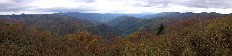 The super-panorama looking north from the north summit of Sam Knob (6,050')...