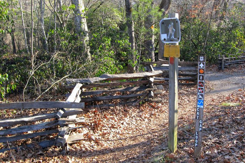 Cat Gap Loop Trailhead