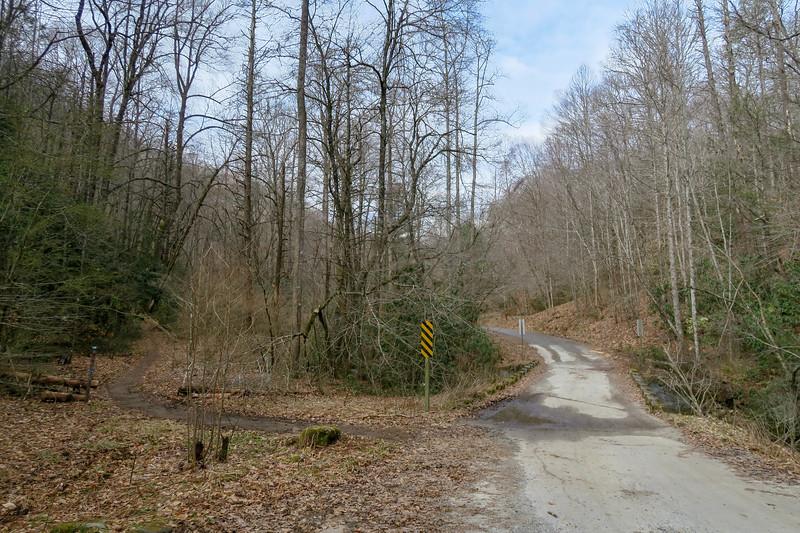 Bennett Gap Trailhead -- 2,320'