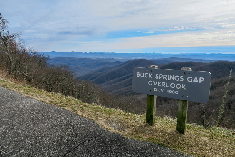 Buck Springs Gap Overlook Trailhead -- 4,980'