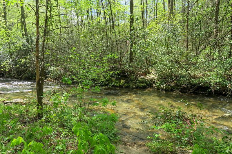Bradley Creek Trail @ Ford #3 (SB)/#12 (NB) -- 2,570'