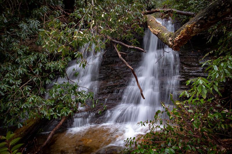 Clawhammer Falls -- 2,820'