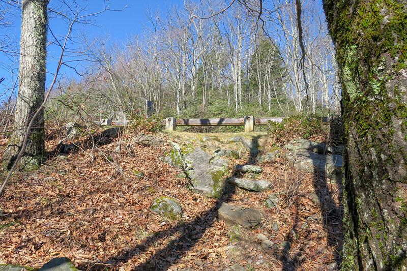 Seniard Ridge Trail @ Blue Ridge Parkway -- 4,670'