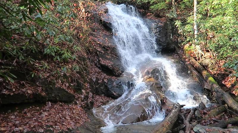 Log Hollow Falls -- 3,200'