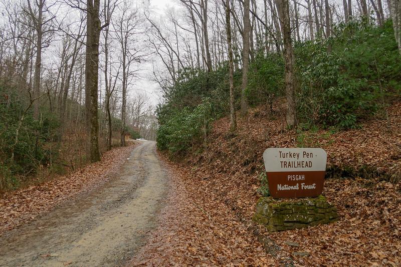 Turkeypen Gap Trailhead -- 2,650'