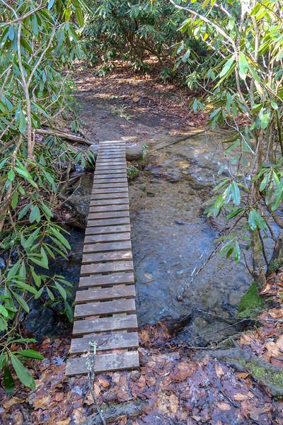 Explorer Loop Trail -- 2,270'