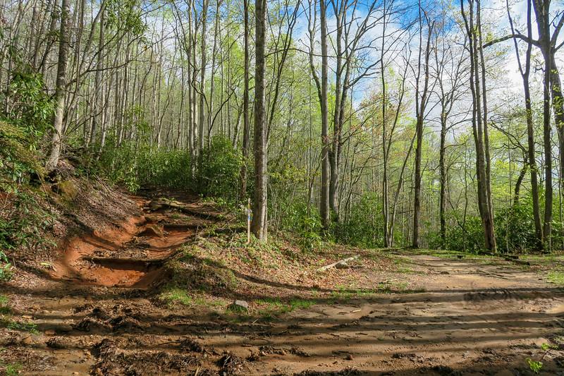 Mullinax Trail -- 2,720'